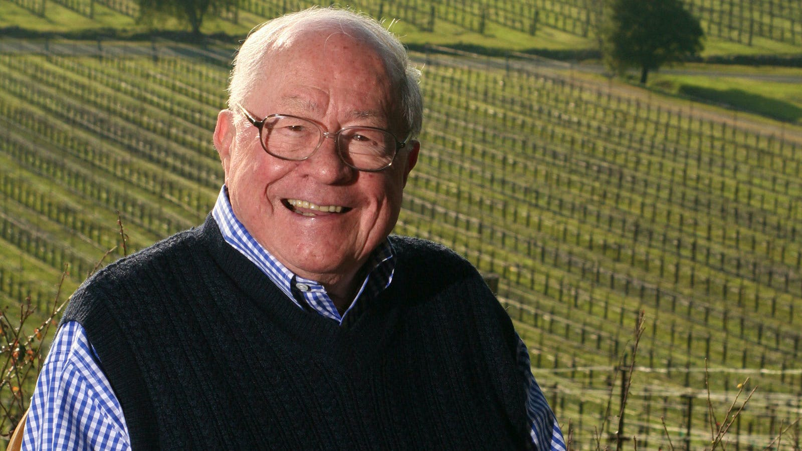 Joseph Phelps, Pioneering California Wine Producer, Dies at 87