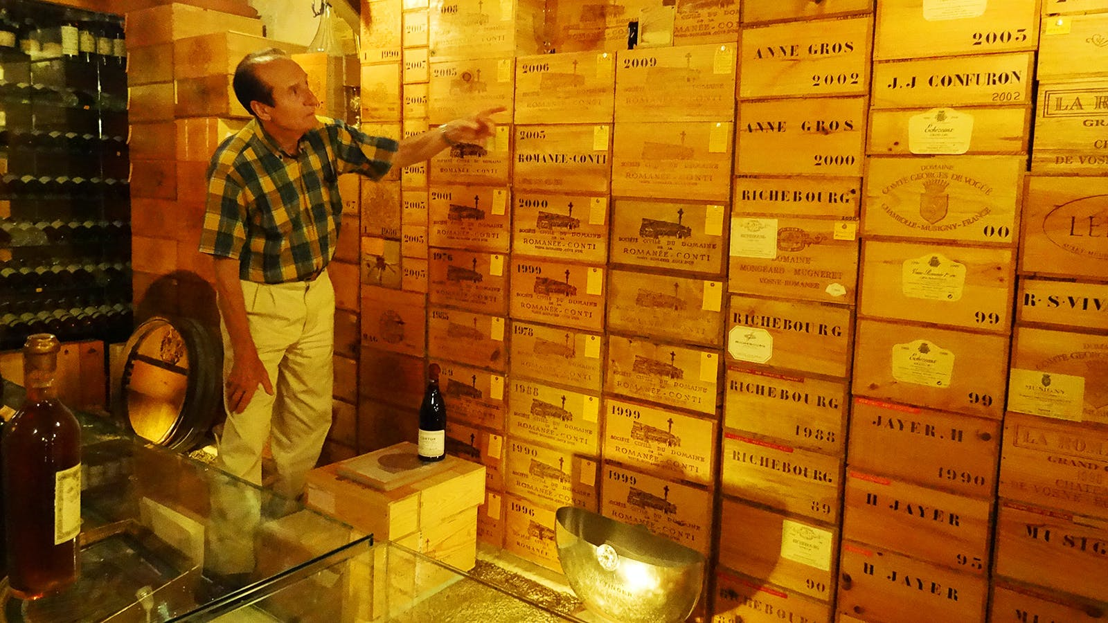 Four Men Convicted of Assaulting French Wine Collector in Attempted Cellar Robbery