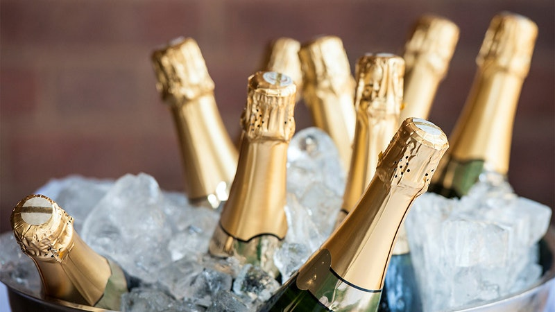 8 Bubblies to Ring in the New Year