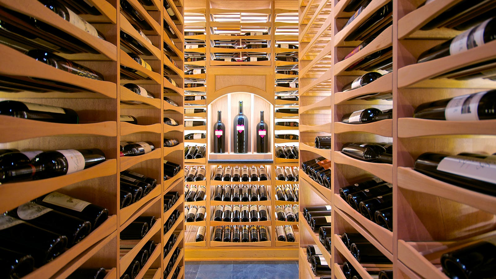 Wine cellar in a private house with their own hands: photos, tips on installation and equipment 70