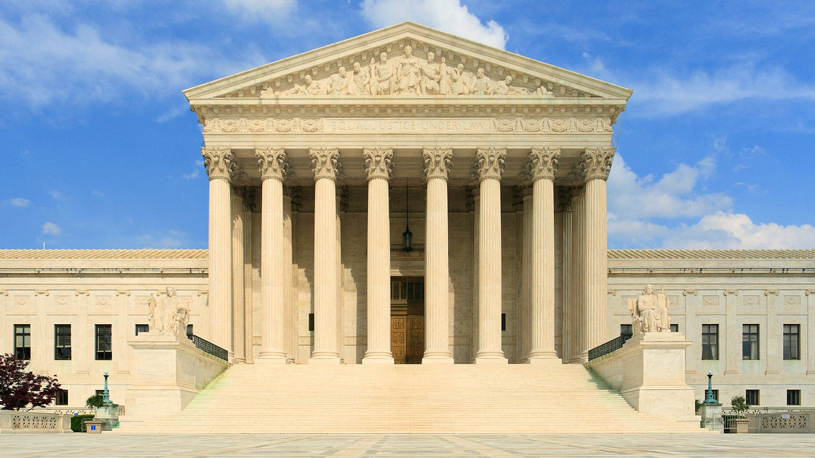 Your Cheat Sheet to the Upcoming Supreme Court Decision on Wine