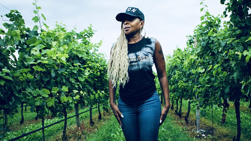 Mary J. Blige's Sun Goddess Puts Skin-Contact Pinot Grigio in the Spotlight