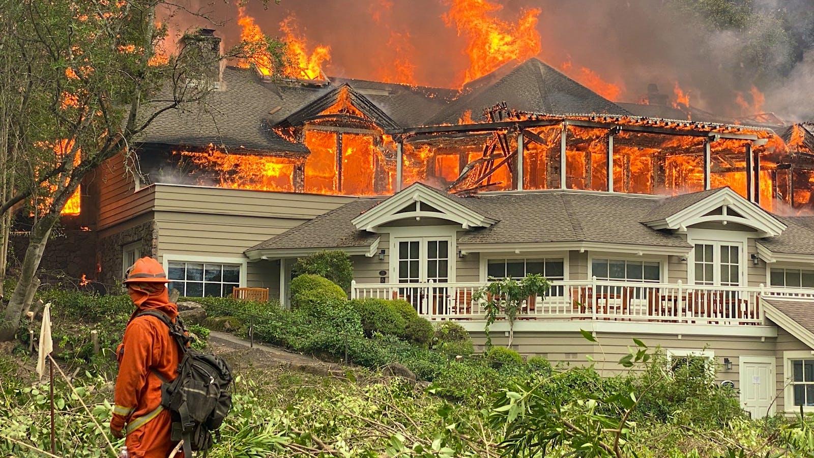 梅多伍德度假村,牛顿,伯吉斯和贝伦斯在纳帕Wildfire的许多受害者