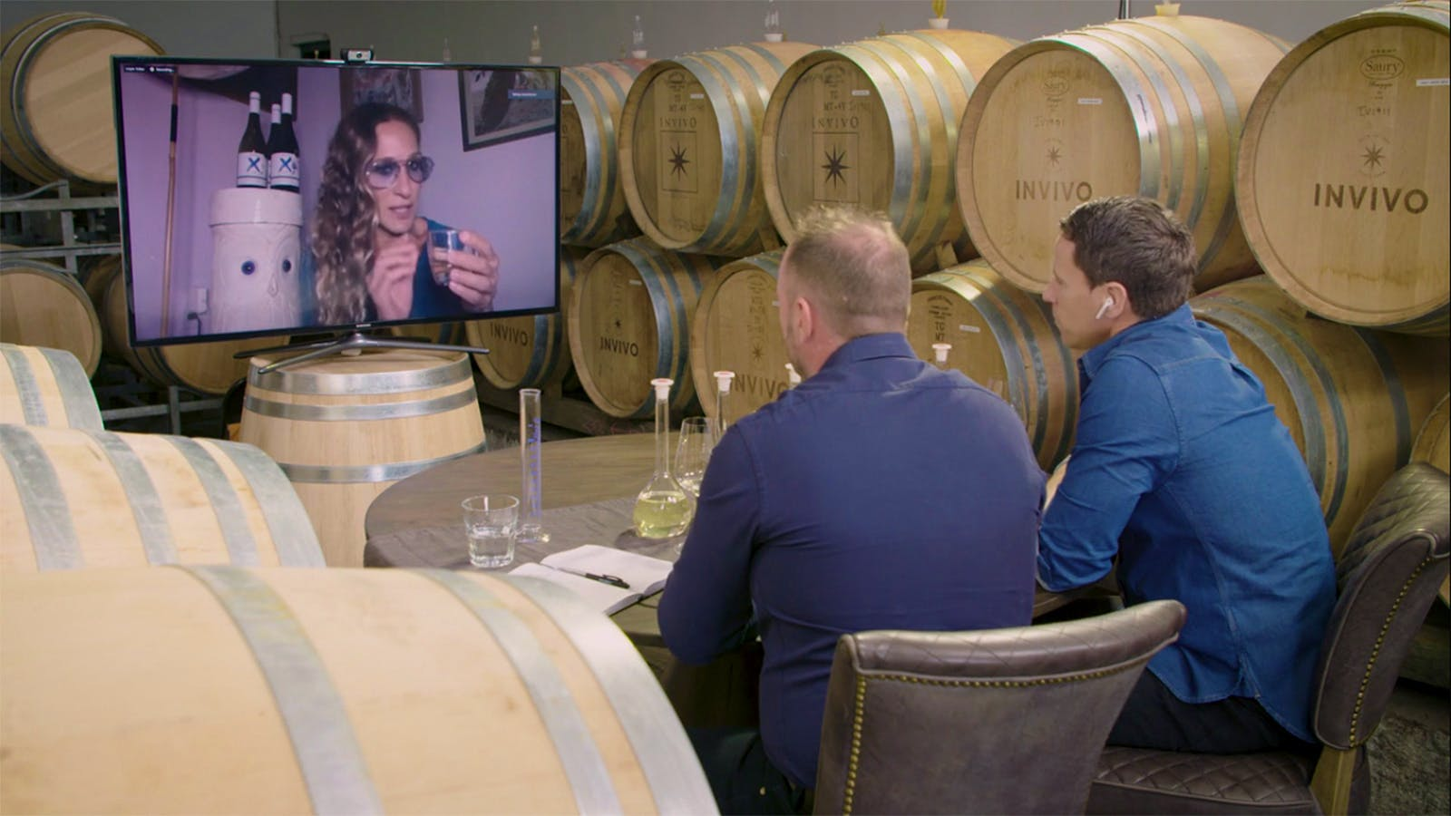 Sarah Jessica Parker, Graham Norton Take Up Home Winemaking on Zoom