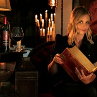 Sarah Michelle Gellar knows what you did this last summer (nothing).Sarah Michelle Gellar, Franzia Costumes, Haunted Wineries Ring in Hallowine Season