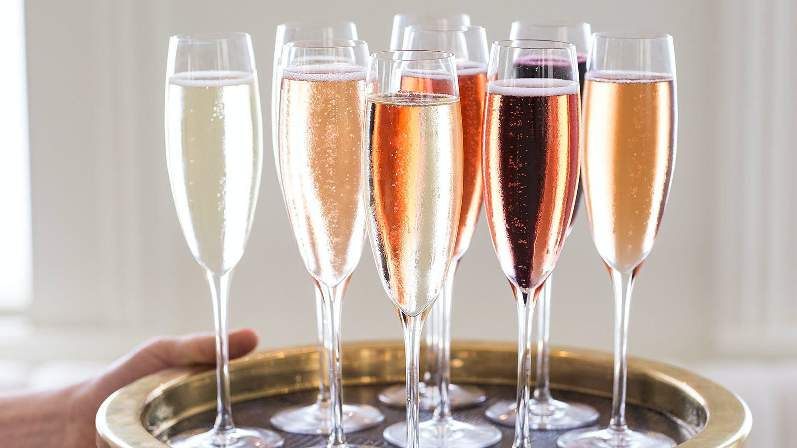7 Dine-In Restaurants for Top-Notch Champagne