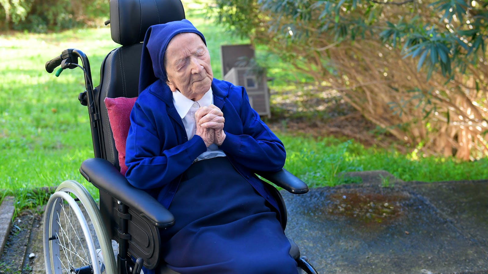 Supercentenarians Surviving COVID Pandemic Celebrate Long Lives with Wine