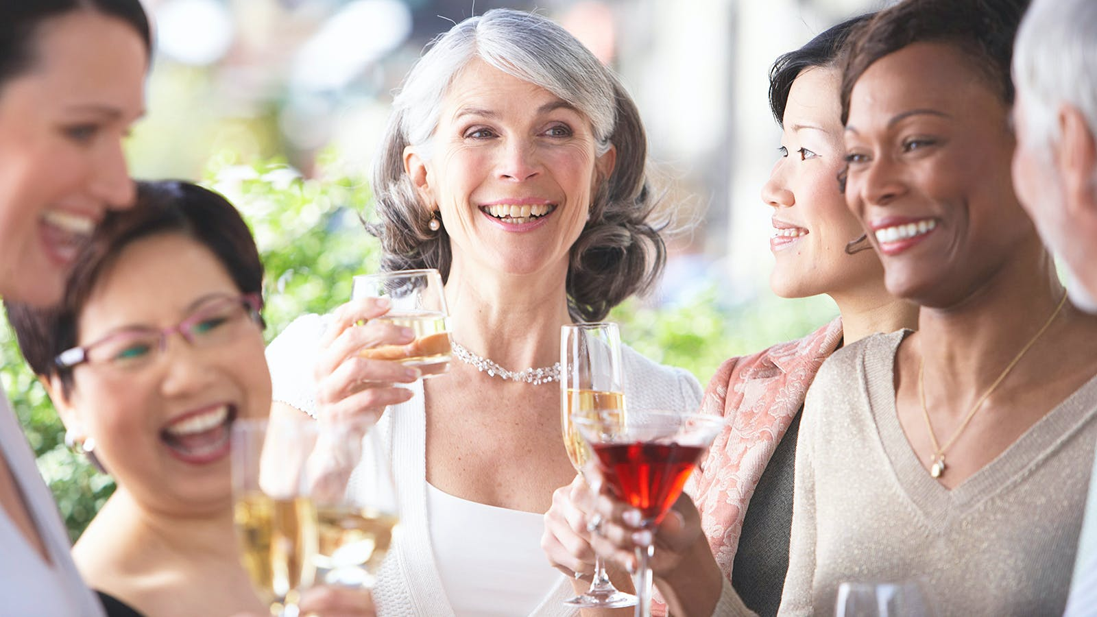 Red Wine Consumption Linked to Lower Risk of Cataracts