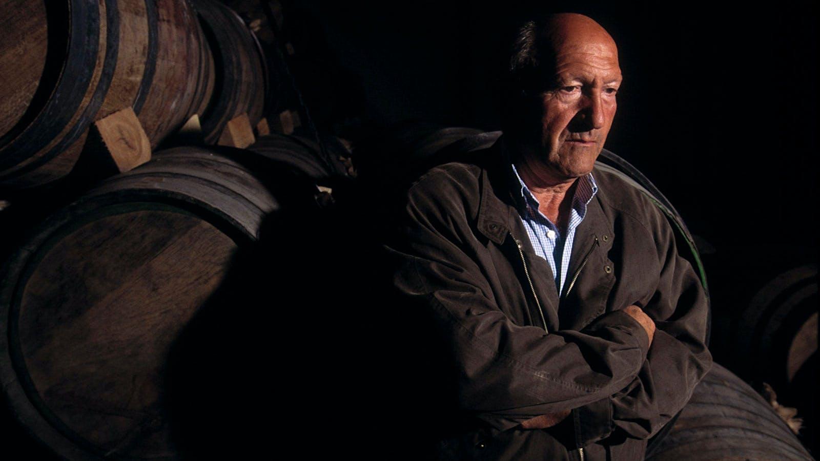 Alejandro Fernandez, Ribera del Duero's Wine Champion, Dies at 88