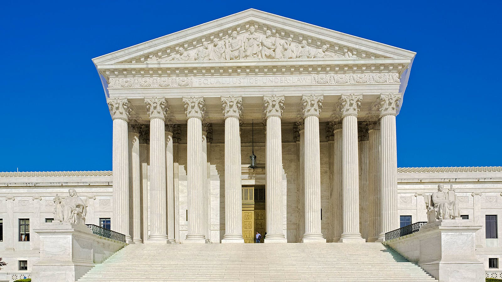 U.S. Supreme Court Declines to Hear Major Wine Shipping Case